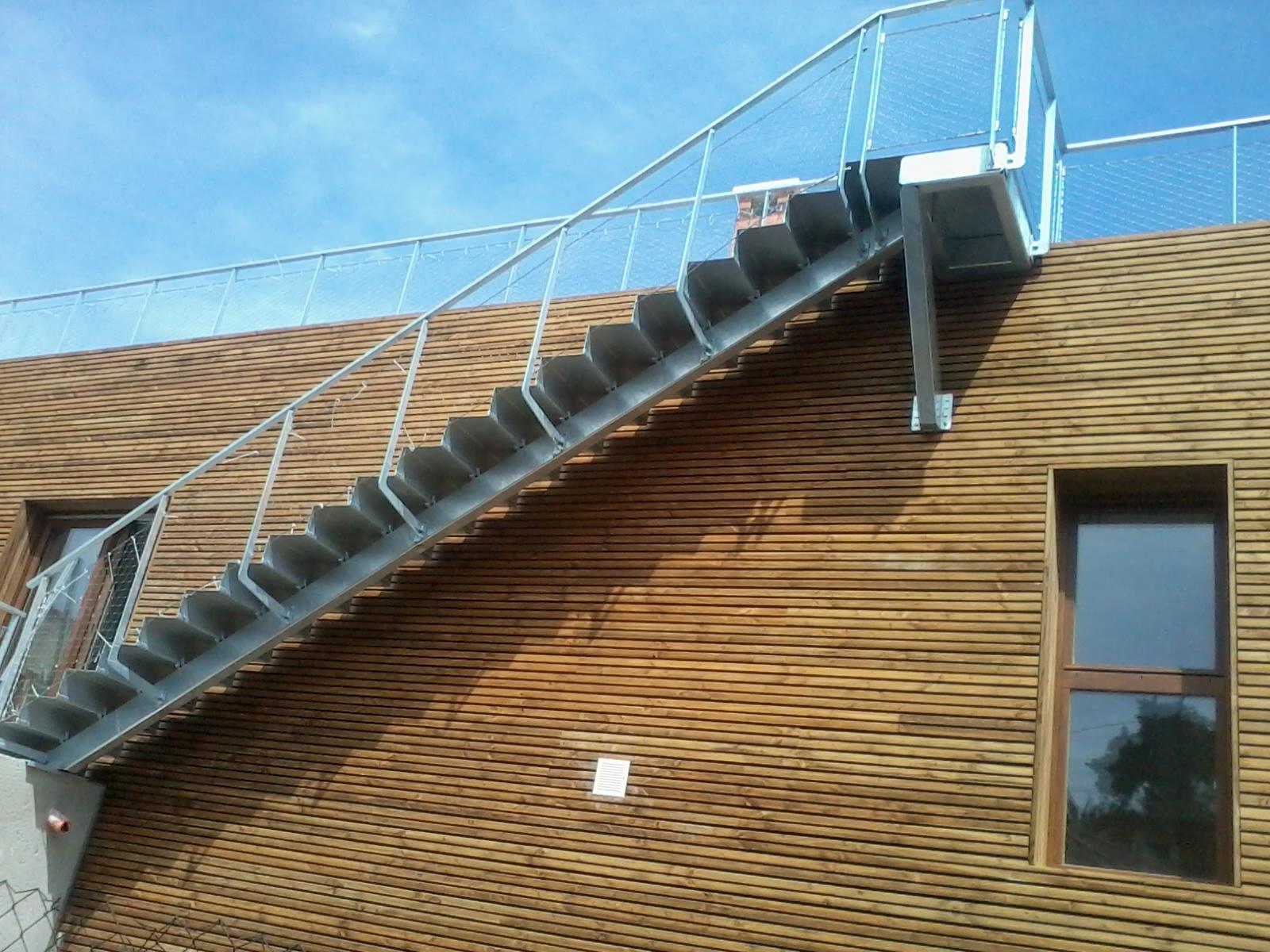 https://www.mon-artisan-ferronnier.com/wp-content/uploads/2021/04/escalier10.jpeg
