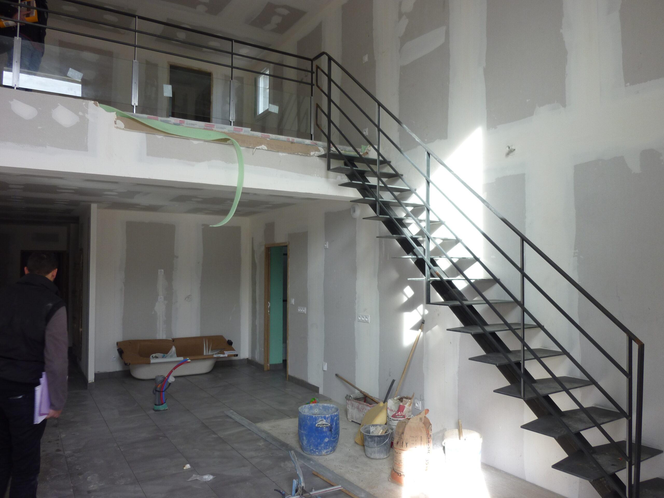 https://www.mon-artisan-ferronnier.com/wp-content/uploads/2021/04/escalier14-scaled.jpeg