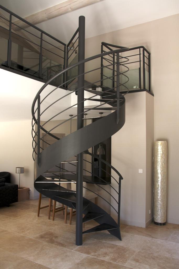 https://www.mon-artisan-ferronnier.com/wp-content/uploads/2021/04/escalier4.jpeg