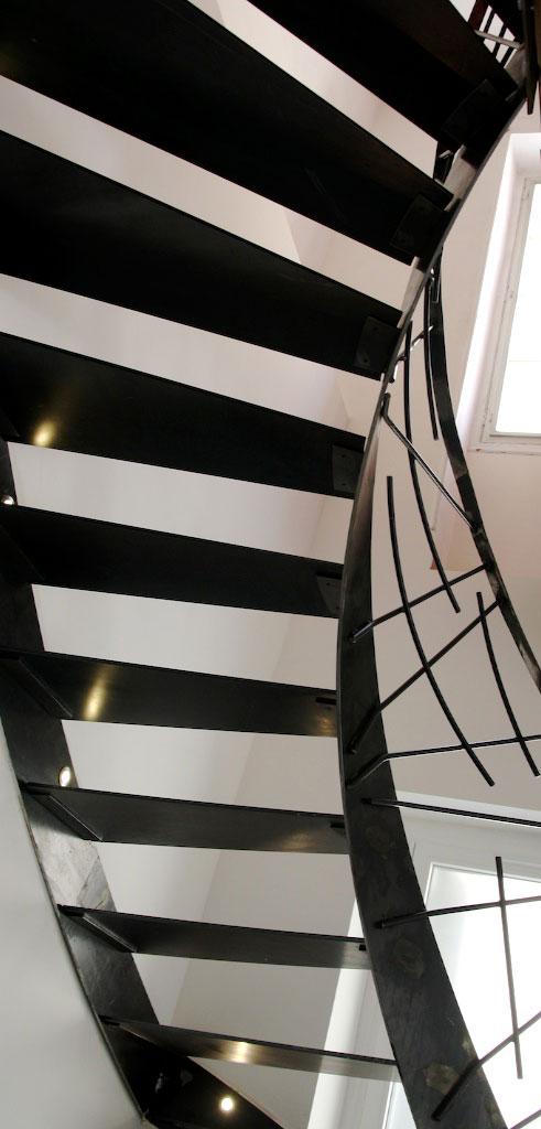 https://www.mon-artisan-ferronnier.com/wp-content/uploads/2021/04/escalier7-1.jpeg